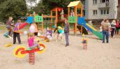 Otwarcie placu zabaw przy ul. Gwiaździstej