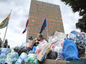 Polityka za naszymi śmieciami