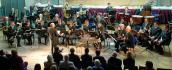 Koncerty, wystawy i uderzenie w Dzwon Pokoju