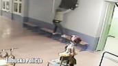 Najpierw ukradł telewizor, a później go zwrócił