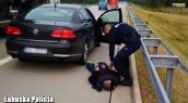 Poszukiwany listem gończym uciekał kradzionym autem