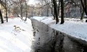 Prawdziwa zima z ostrym mrozem i śniegiem po kolana