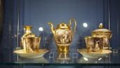 Kruche skarby zachwycają w gabinecie porcelany
