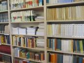 Warto czytać książki, zwłaszcza w bibliotece
