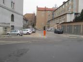 Dlaczego urzędnicy i radni tam nie parkują?
