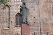 Biskup jedności, zgody oraz troski o rodzinę i ubogich