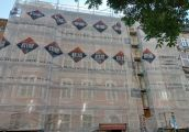 W mieście trwa sezon na odnawianie fasad kamienic